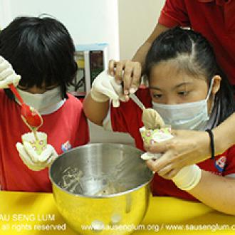 2019-12-09 Enhance Functional Skills and Proving Learning Ability Special Needs Programme Students Making Muffin (Prevocational Sales)